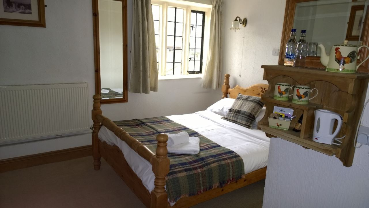 The Helyar Arms gallery - double bedroom